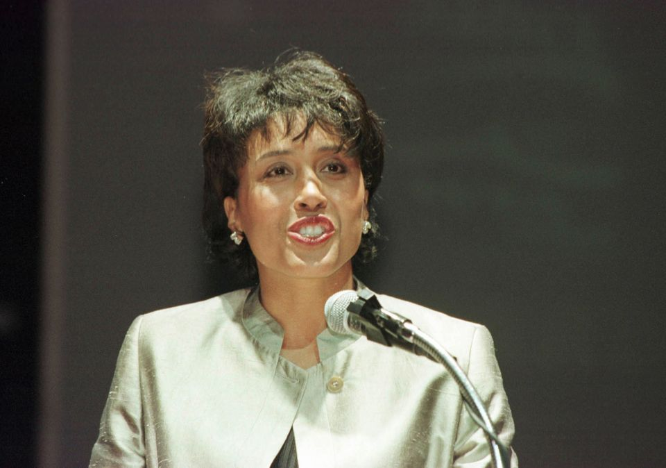 22 Mar 2000:  ESPN/ABC Commentator Robin Roberts speaks during the Sanex WTA 1999 Awards Ceremony at Club LEVEL in Miami, Flo