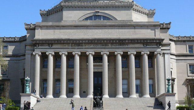 description 1 nl:Columbia-universiteit   Columbia University College Walk Court Yard 1 en:Columbia University   Columbia University ...