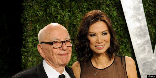 WEST HOLLYWOOD, CA - FEBRUARY 24:  Newscorp Chairman Rupert Murdoch and Wendi Murdoch arrive at the 2013 Vanity Fair Oscar Pa