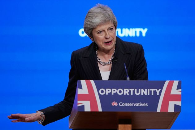 Theresa May, optimiste, continue à défendre son plan pour le