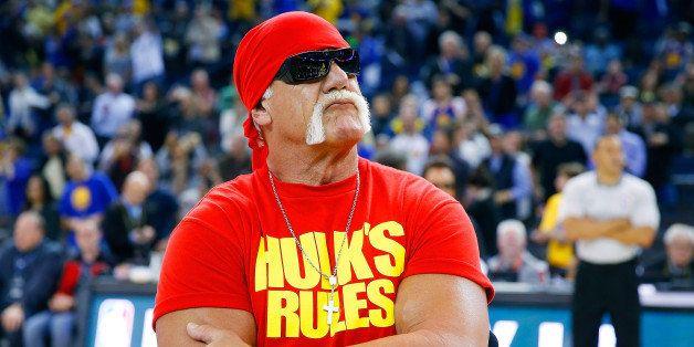 OAKLAND, CA - NOVEMBER 13:  Hulk Hogan pumps of the Warriors fans before the start of an NBA basketball game between the Broo