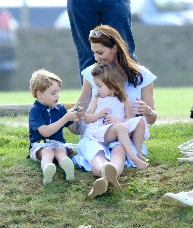 Herzogin Kate verrät: Diesem seltsamen Hobby geht sie mit Charlotte und George