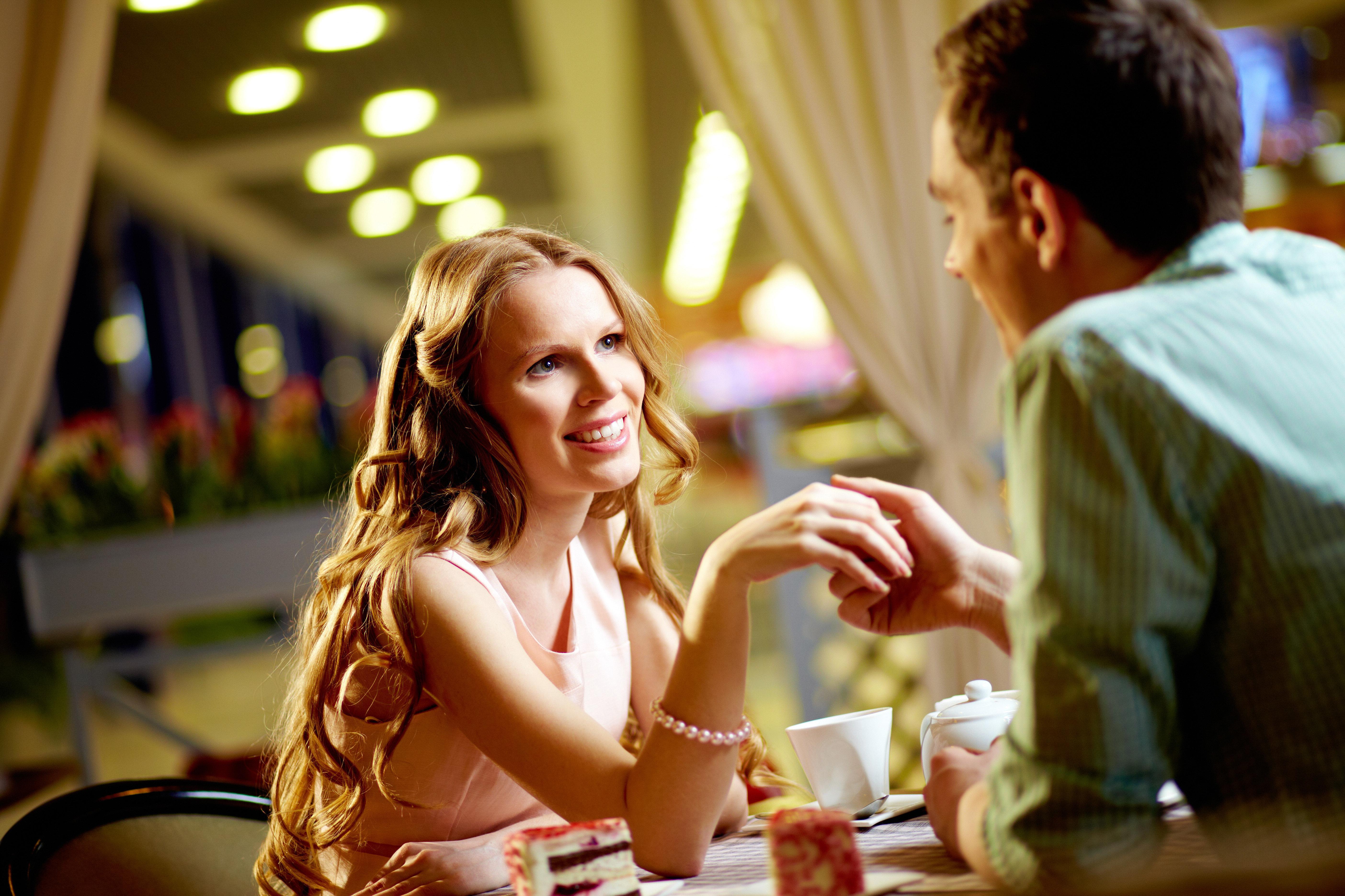 Samantha Daniels dating lounge Dating regler Storbritannien