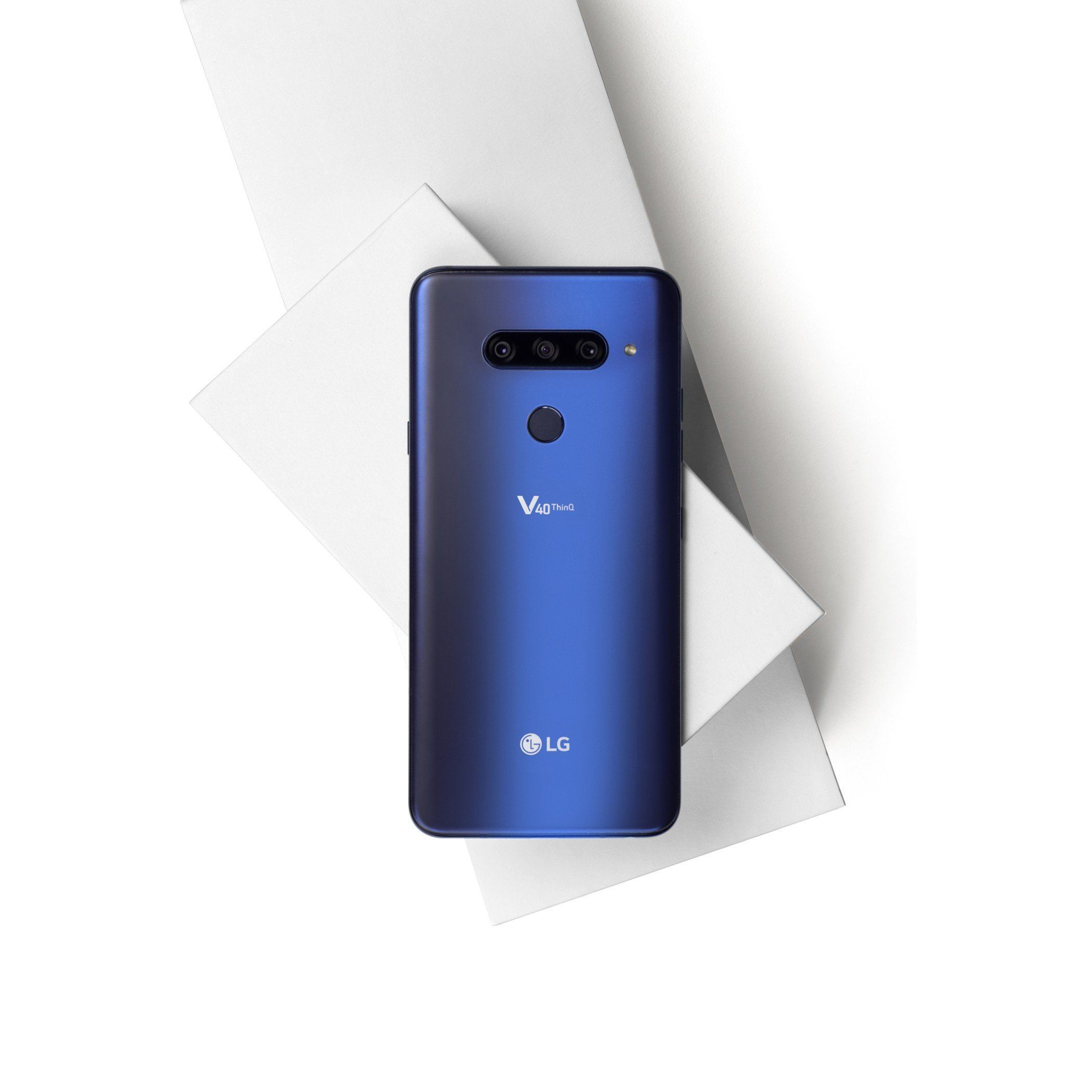LG Unveils V40 ThinQ Smartphone With Five