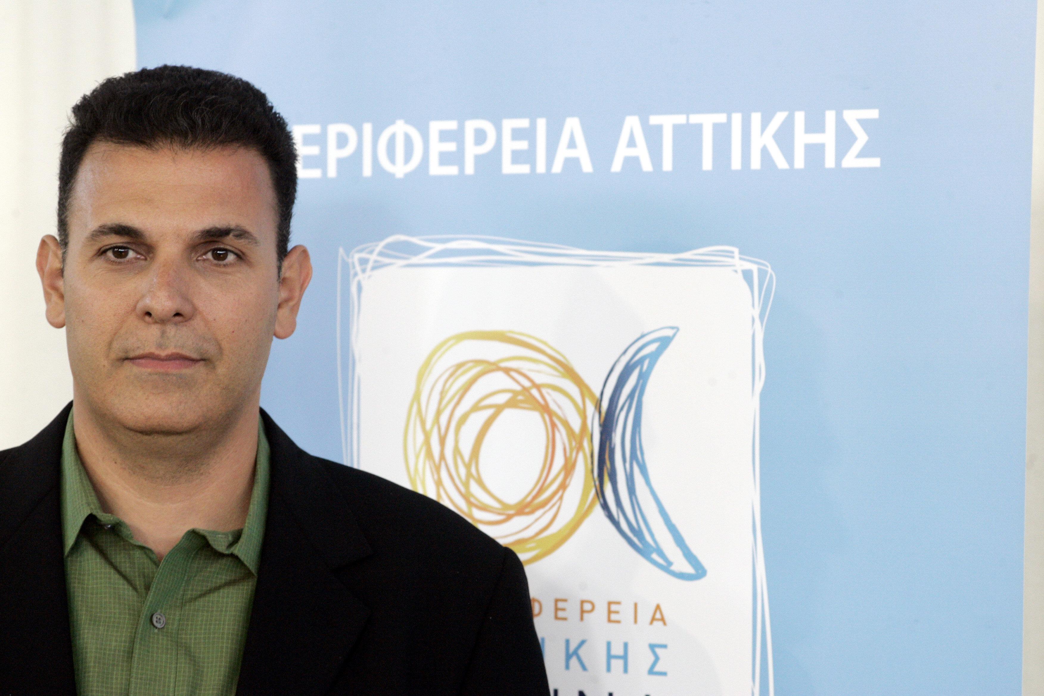 Ο Καραμέρος εγκαλεί την κυβέρνηση για τη μεταφορά ακινήτων του δημοσίου στο