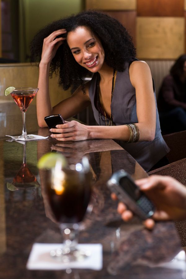 """In an hour at a singles bar, <a href=""""http://www.sciencedirect.com/science/article/pii/0162309585900160"""">average-looking wome"""