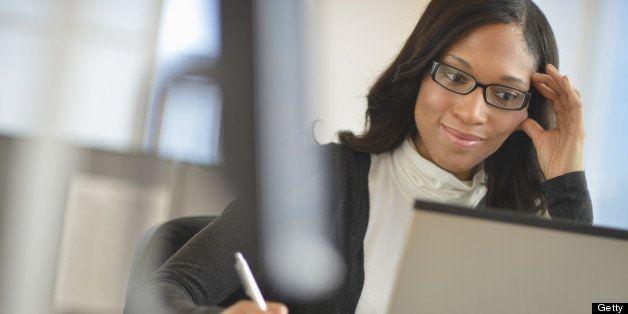 USA, New Jersey, Jersey City, Female office worker