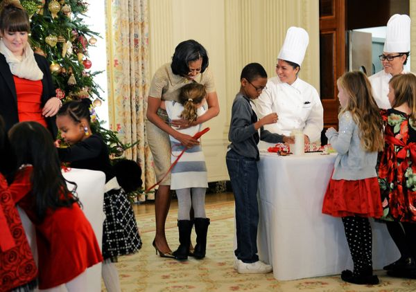 What's the best way to celebrate the holidays? Hugs on hugs on hugs from FLOTUS.