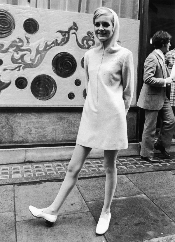 Along with the sexual revolution, the 1960s brought with it a new beauty ideal -- slender and long-legged. High-fashion model