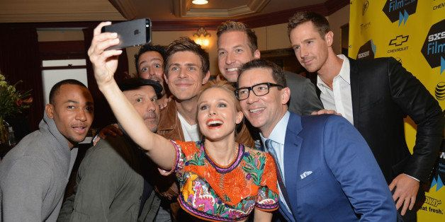 AUSTIN, TX - MARCH 08:  Actress Kristen Bell (C) poses for a selfie with cast members (L-R) Percy Daggs, Enrico Colantoni, Ch