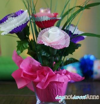 For the perfectly manicured (and pedicured!) mom, a pot of polish pansies is always in season. Assemble using cupcake liners,