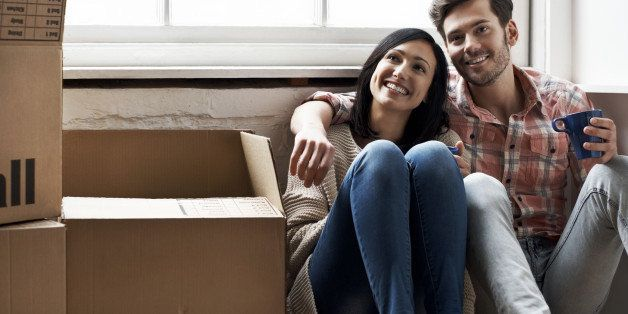 how long dating before moving in