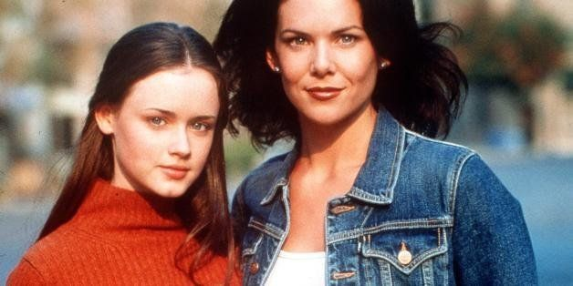 370100 09: Alexis Bledel and Lauren Graham star in Warner Bros. TV series 'The Gilmore Girls.' (Photo by Warner Bros./Deliver