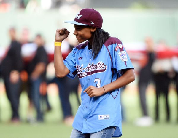 Mo'€™ne Davis became the first female pitcher in Little League World Series history to pitch a complete-game shutout — and in