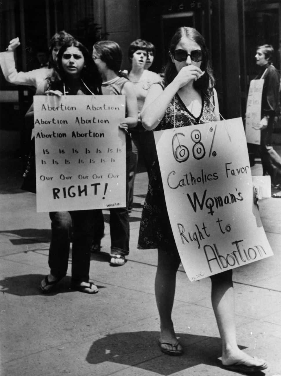 <strong>1973:</strong>  Pro-abortion rights campaigners at a demonstration in favor of abortion in front of the American Hote