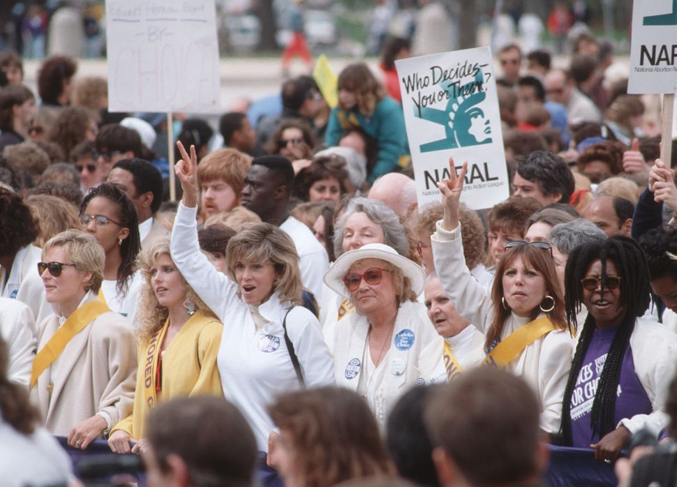 <strong>1989:</strong> Marlo Thomas and Whoopi Goldberg during a pro-abortion rights rally and march in Washington D.C. (Phot
