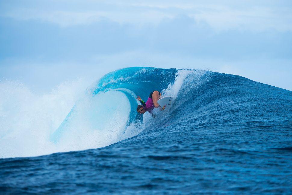Sally Fitzgibbons winning the Fiji Womens Pro.