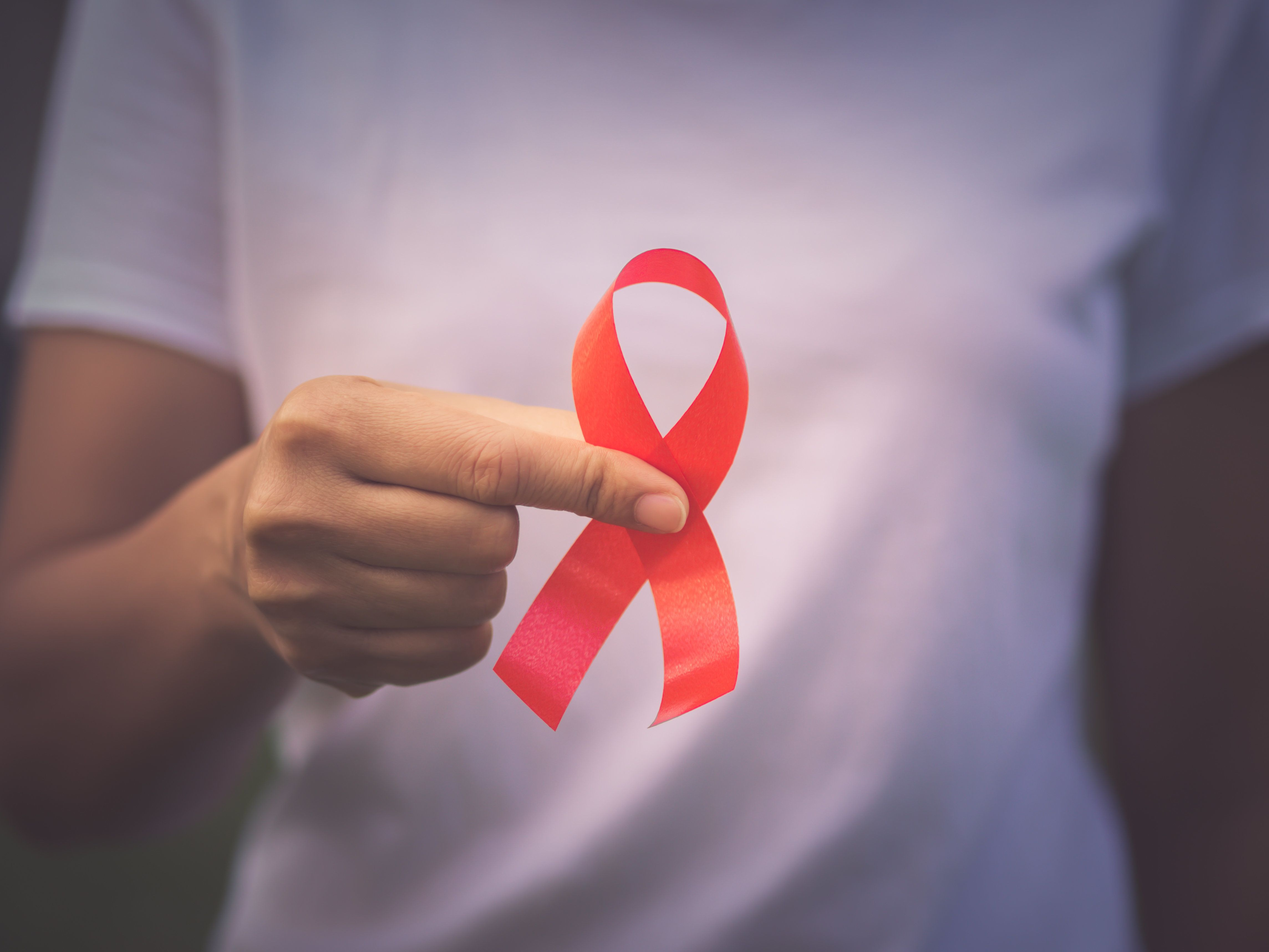 왜 에이즈에 유독 '세금 도둑'이라는 비난이