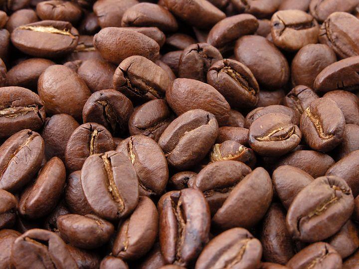Roasted coffee bean | coffee beans Granos de café tostado (natural). Des grains de fr:café | café  torréfiés. Biji kopi alami