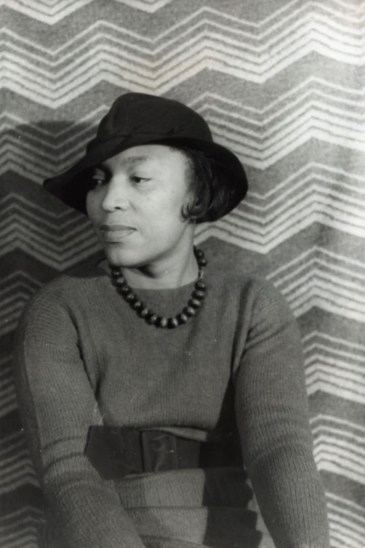 Description en:Zora Neale Hurston | Zora Neale Hurston  Photographer: Carl Van Vechten.  Permission Portrait of Zora Neale Hu