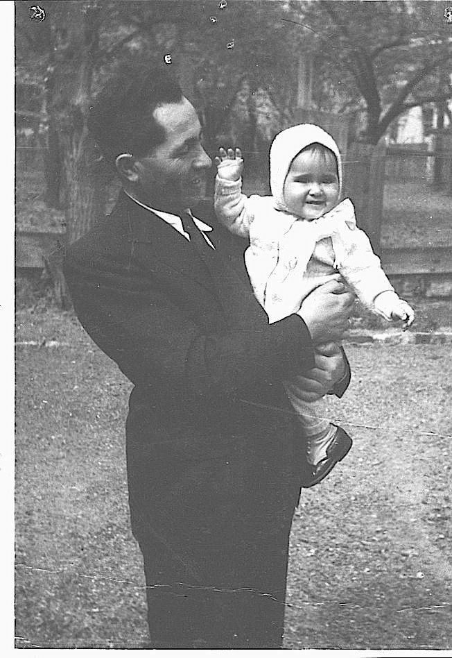 Marta Fuchs as a baby with her father, Morton (Miksa) Fuchs