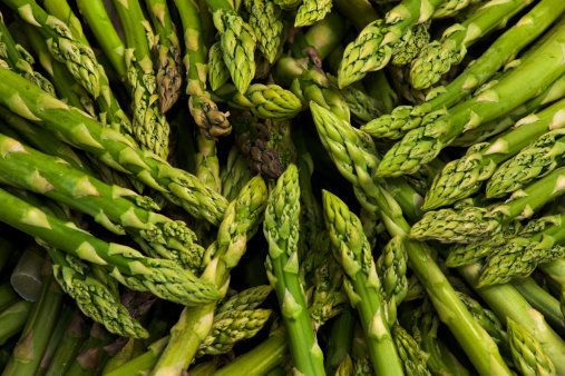 Asparagus contains high concentrations of folate. Folate is known to elevate histamine levels. Animal studies have consistent
