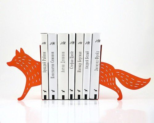"Uh oh, there's an adorable fox lurking behind your books. (Via <a href=""http://www.etsy.com/listing/163180848/bookends-readin"