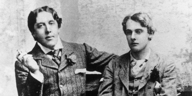 Irish dramatist Oscar Wilde (1854 - 1900) with Lord Alfred Douglas (1870 - 1945) at Oxford, 1893.  (Photo by Hulton Archive/G
