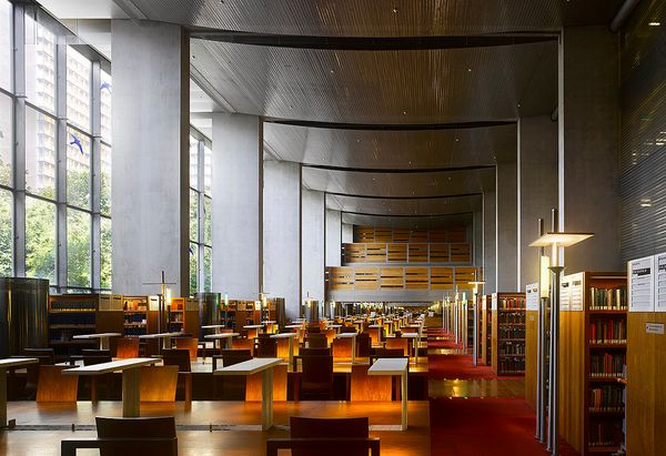 Of all the modern reading rooms, the one at the Bibliothèque Nationale in Paris is perhaps the most surprising. The library i