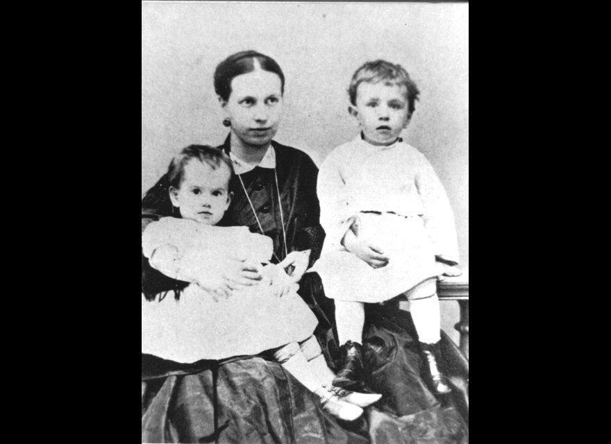 Sofia with her children Tatyana and Sergei in 1866. Tolstoy didn't believe in birth control, and in the first seven years of