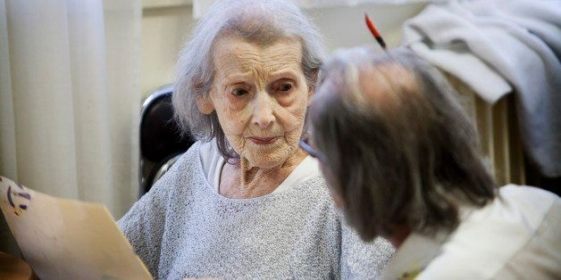Reportage on art therapy in the Emilie de Rodat retirement home in Rueil Malmaison, France. This retirement home houses peopl