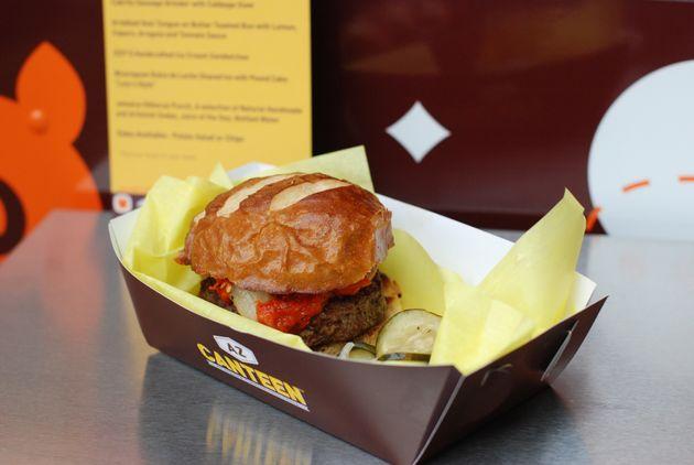 A carne de bode pode salvar o sistema alimentar, mas temos receio de