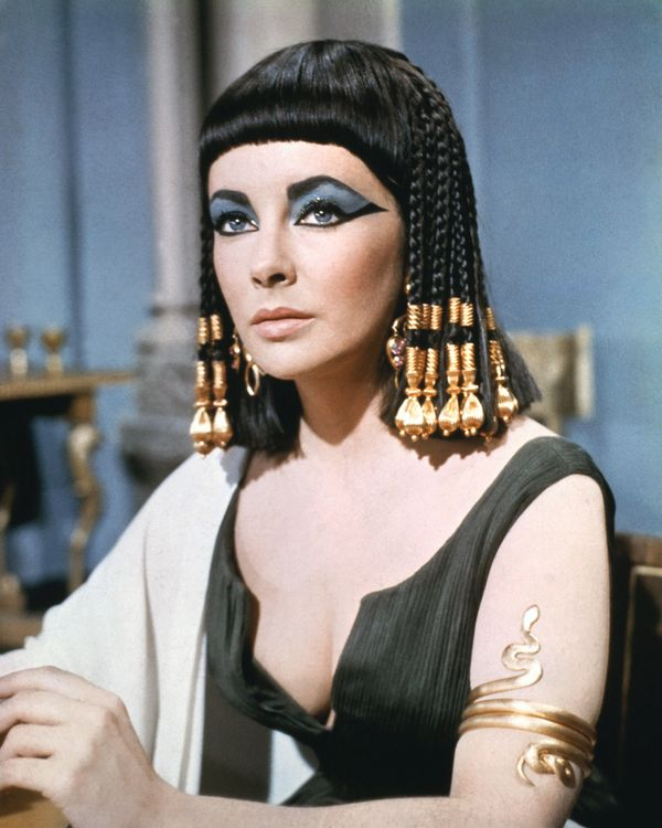 "There's no eye makeup more iconic than Liz Taylor's dramatic winged liner and heavy eyeshadow in ""Cleopatra."" <a href=""http:/"