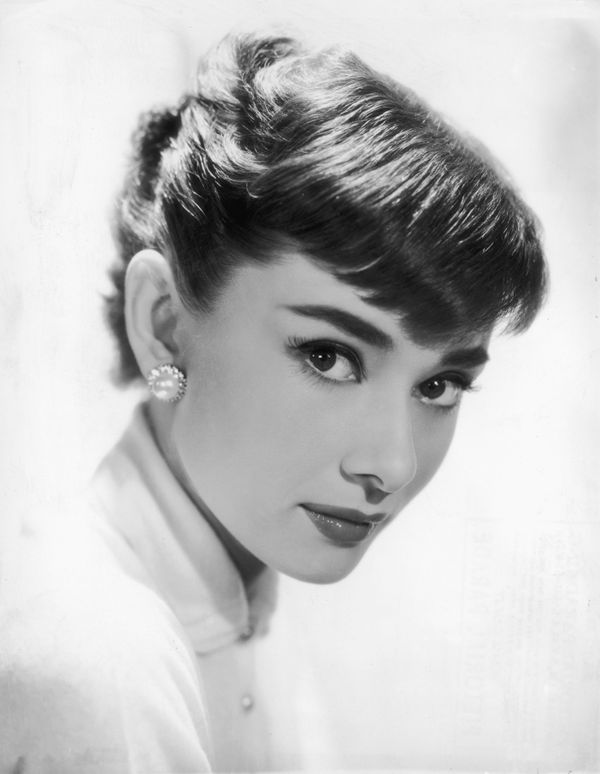 Audrey Hepburn's doe-eyed look was her trademark. Along with a strong brow, and efforts to keep the rest of her makeup neutra