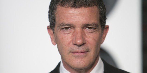 Antonio Banderas arrives to the 2015 Vanity Fair Oscar Party February 22, 2015 in Beverly Hills, California. AFP PHOTO/ADRIA