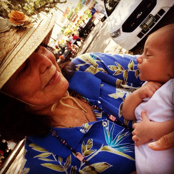 Isadora Gonzalez, 76, meeting her great-grandson, Luca Licitra, 4-weeks-old in the photo, for the first time.