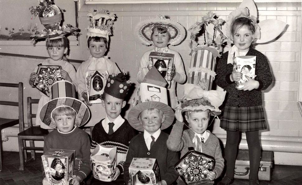 Children with their bonnets and candy.