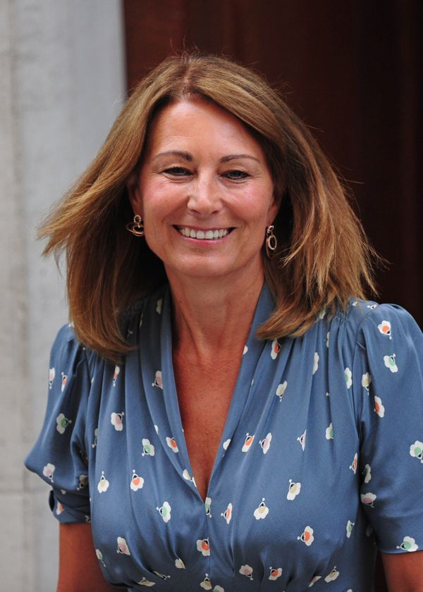 """At<a href=""""http://thepeerage.com/p20097.htm#i200962"""" target=""""_blank""""> 60, Carole Middleton has an incredible</a> figure that"""