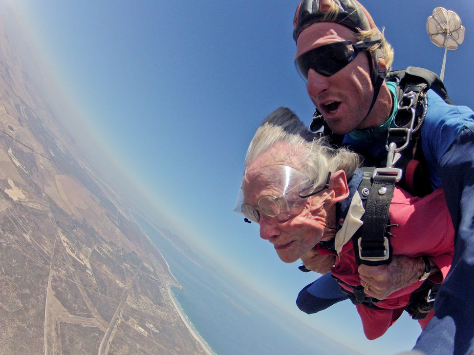 "<a href=""https://www.huffpost.com/entry/great-grandma-100-birthday-skydive-_n_6879414"" target=""_blank"">Georgina Harwood may b"