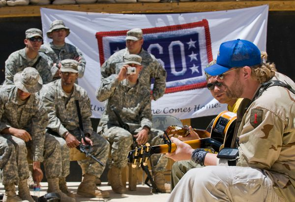 In support of Operations Iraqi Freedom, the USO partnered with celebrity volunteers to send a touch of home to troops servin
