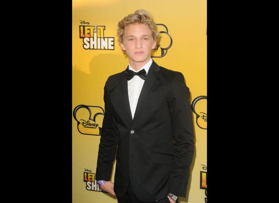 "With 3.1 million followers, 15-year-old Aussie pop star <a href=""https://twitter.com/CodySimpson"" target=""_hplink"">Cody Simps"