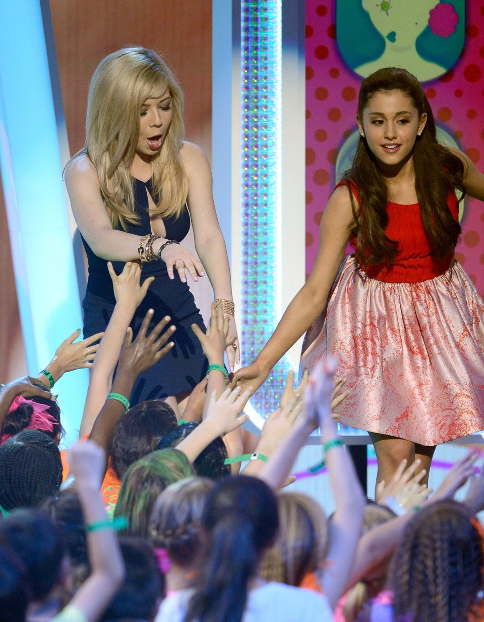 LOS ANGELES, CA - MARCH 23:  Actors Jennette McCurdy and Ariana Grande walks onstage during Nickelodeon's 26th Annual Kids' C