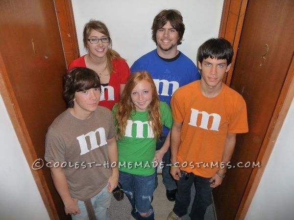 "<a href=""http://ideas.coolest-homemade-costumes.com/2012/09/28/last-minute-m-and-m-group-costum/"" target=""_blank"">via Coolest"