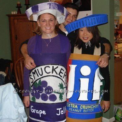 "<a href=""http://ideas.coolest-homemade-costumes.com/2013/01/11/sweet-peanut-butter-and-jelly-couple-costume/"" target=""_blank"""
