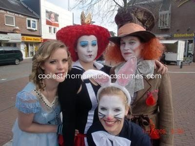 "<a href=""http://ideas.coolest-homemade-costumes.com/2012/08/01/alice-wonderland-group-costume/"" target=""_blank"">via Coolest H"