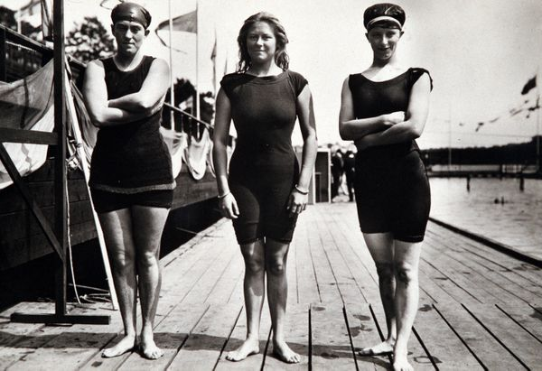 "Durack (left), an <a href=""http://adb.anu.edu.au/biography/durack-sarah-fanny-6063"" target=""_blank"">Australian swimmer</a>, w"