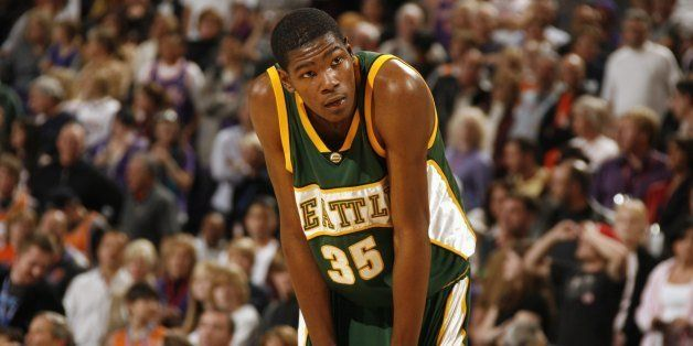 PHOENIX - JANUARY 3:  Kevin Durant #35 of the Seattle SuperSonics catches his breatch during the game against the Phoenix Sun