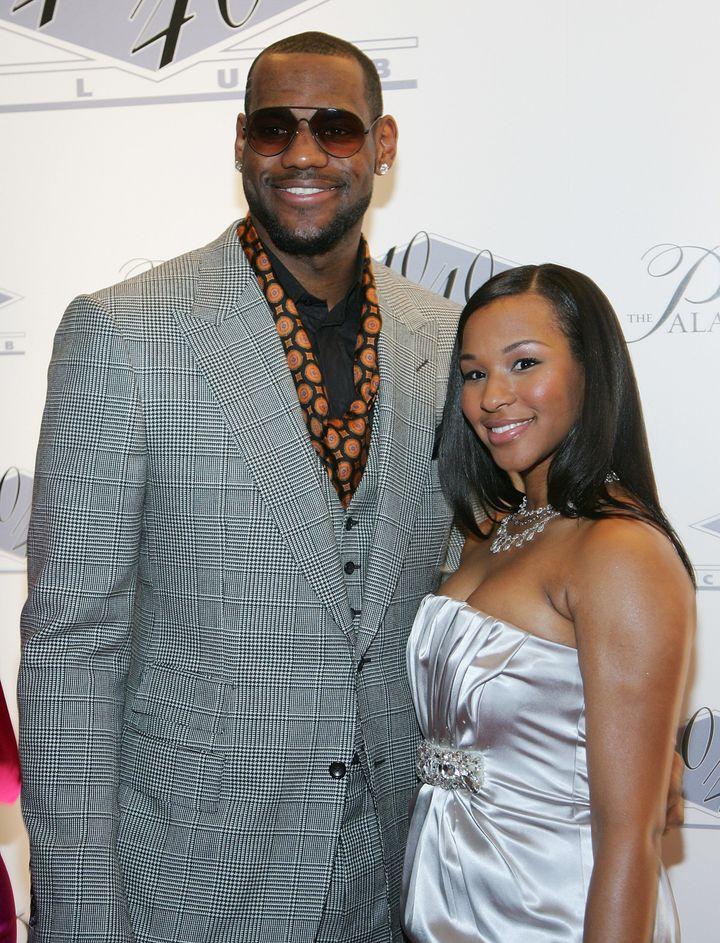LeBron James Engaged: Savannah Brinson Accepts New Year's ...