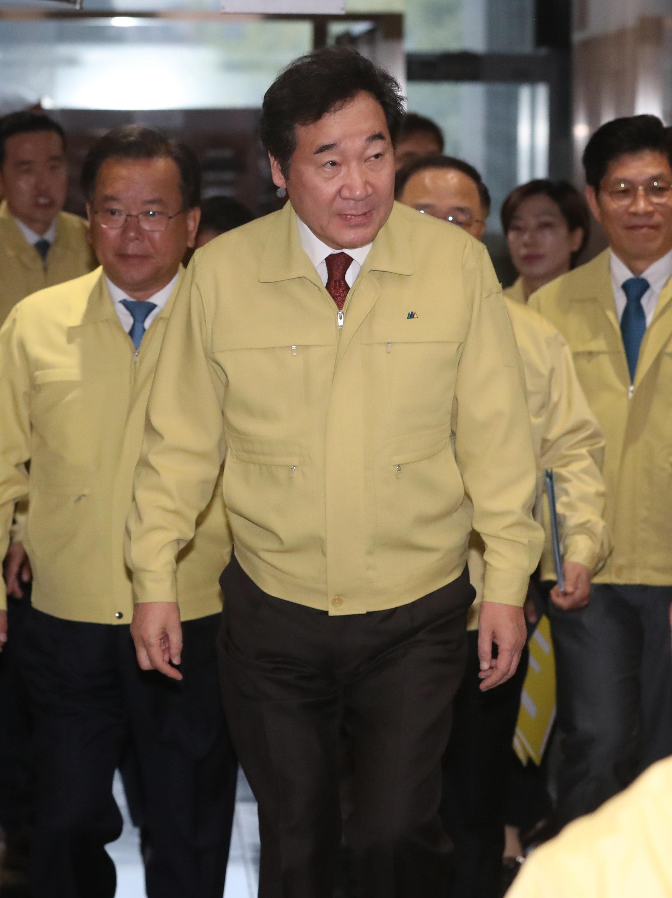 이낙연 총리가 범진보 차기 대선주자 선호도 1위로