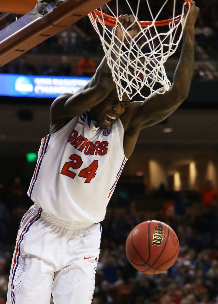 AUSTIN, TX - MARCH 24:  Casey Prather #24 of the Florida Gators dunks against the Minnesota Golden Gophers during the third r